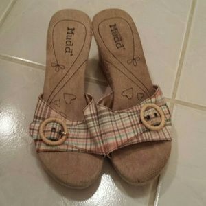 Mudd Sandals NWOT Size 8.5m